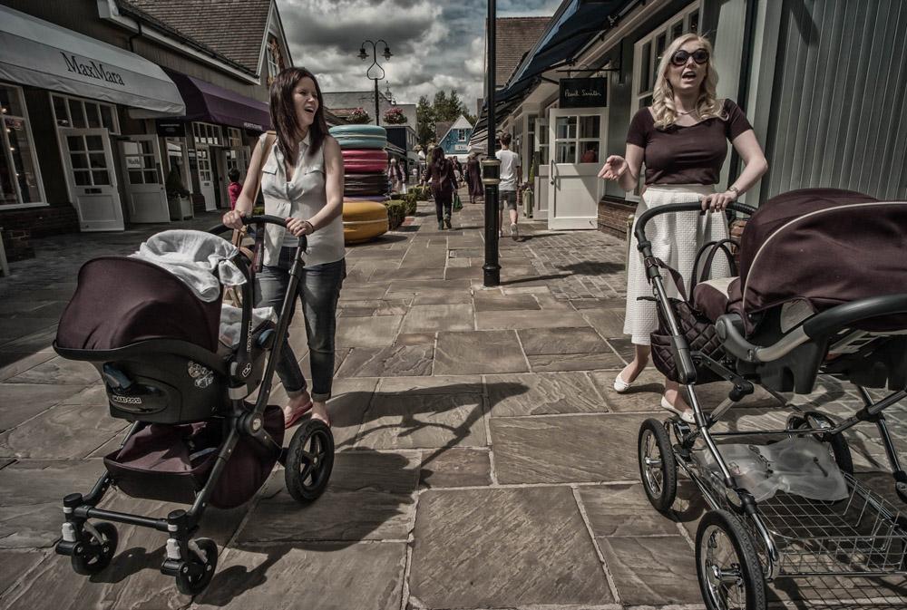 Strolling conversation - Bicester, England